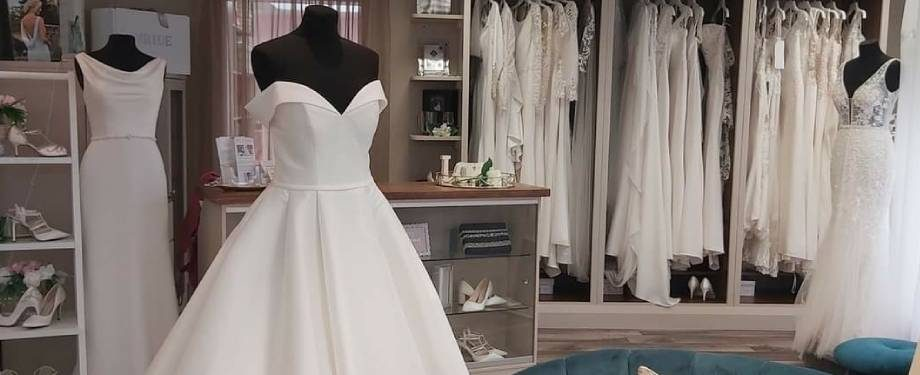 wedding-dresses-920x375